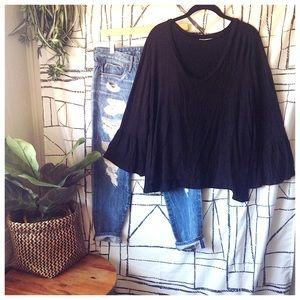 'Norah' V-Neck Bell Sleeve Black Blouse